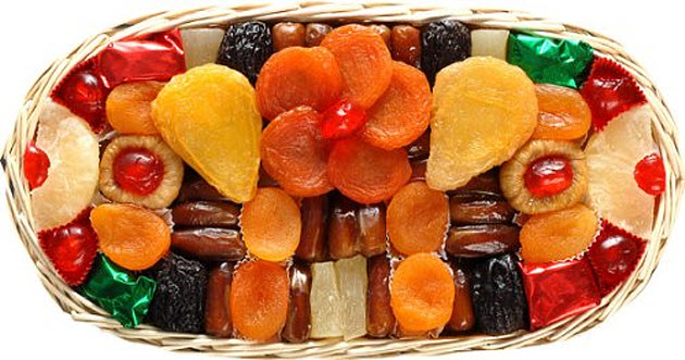 Dried-fruit-gift-baskets