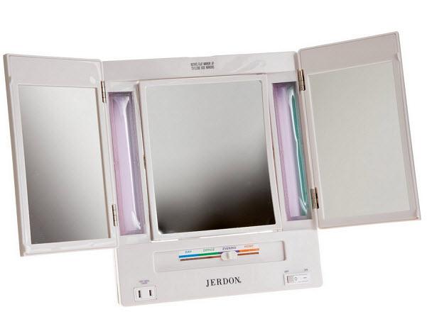 portable-magnifying-mirror