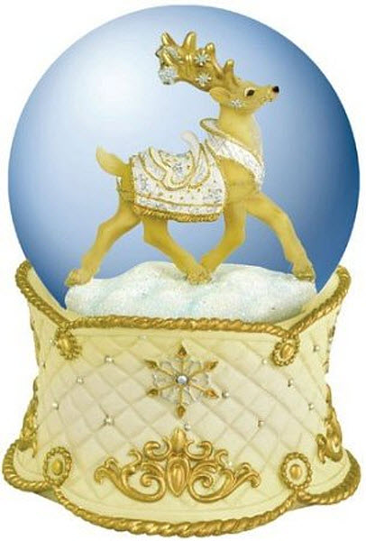 reindeer-snow-globe